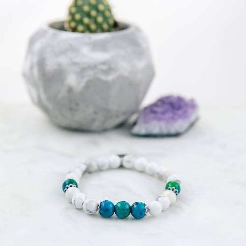 Elastic bracelet with semi-precious stones and chrysocolla