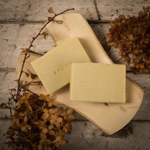 Oatmeal soap for dry, fragile and itchy skin
