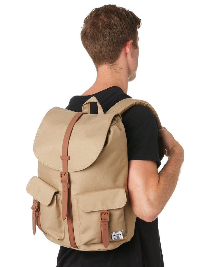 sac a dos HERSCHEL Dawson X Kelp Saddle Brown porté