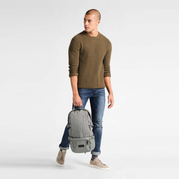 Sac a dos eastpak floid LIGHT BLEND porté