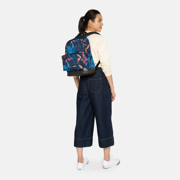 Eastpak wyoming Whimsy Navy porté