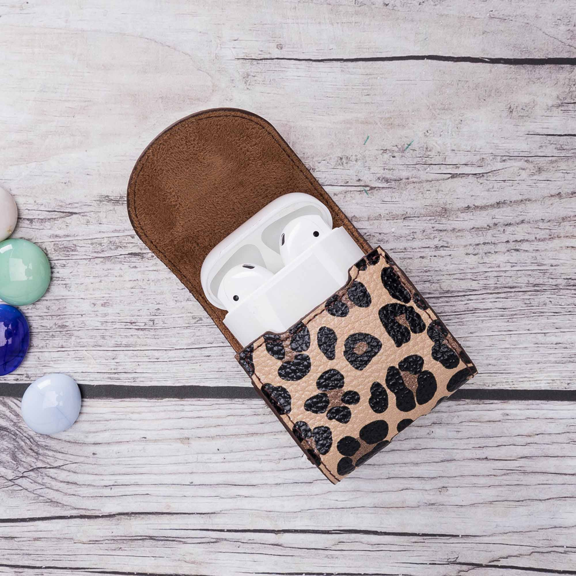 Mai Magnet Leather Case for AirPods 1 & 2 - LEOPARD PATTERNED - saracleather