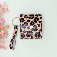 Mai Leather Case for AirPods 1 & 2 - LEOPARD PATTERNED - saracleather