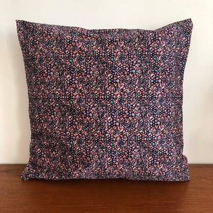 Coussin Evesome 50x50cm en denim de Liberty -  Evesome cushion 50x50cm in Liberty denim