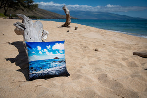 """Hana Coast Line"" Linen Throw Pillow Cover"