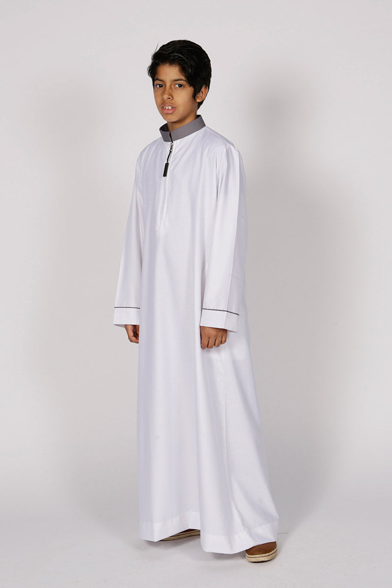 Kids Contrast Collar Jubba Thobe (White) - Thobe London
