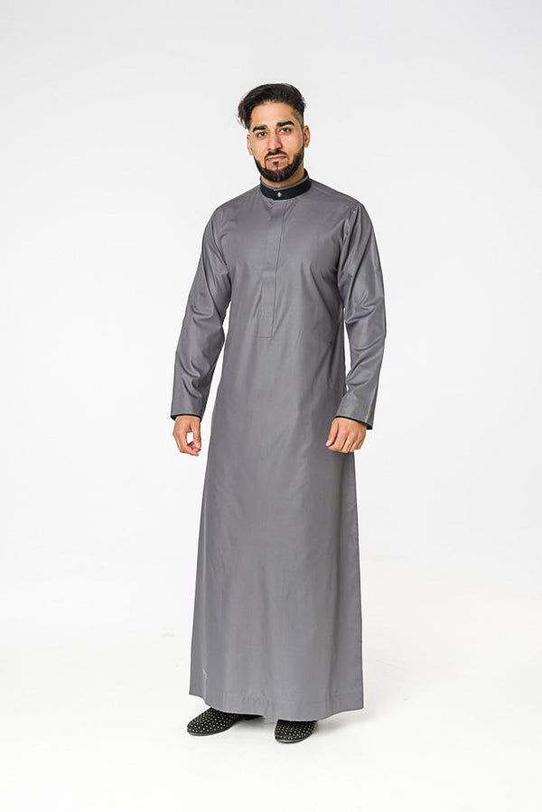 Smart Saudi thobe with mandarin Collar - Thobe London