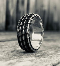 Load image into Gallery viewer, Dragon Scale Ring, Silver