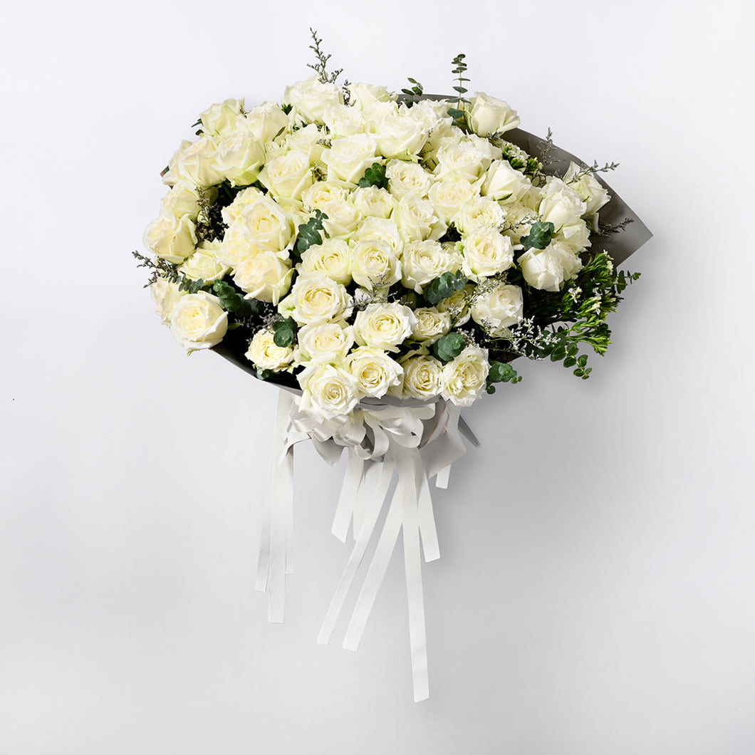 White Luxury Roses Collection