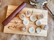 Load image into Gallery viewer, Easter Playdough Stamps - Australian Theme