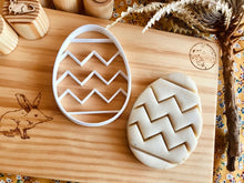 Load image into Gallery viewer, Zig Zag Easter Egg Bio Cutter