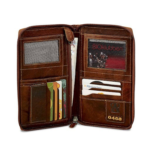 Travel Wallet | Brown | Buffalo Leather - STOCKHOLM