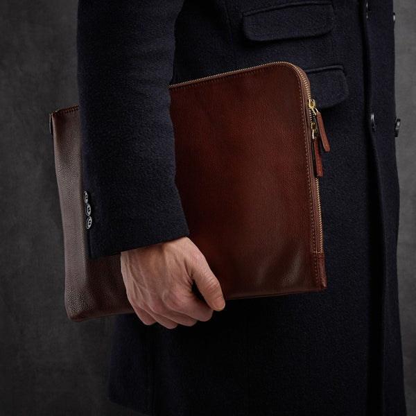 Laptop Sleeve | Febe | Chestnut Leather - STOCKHOLM