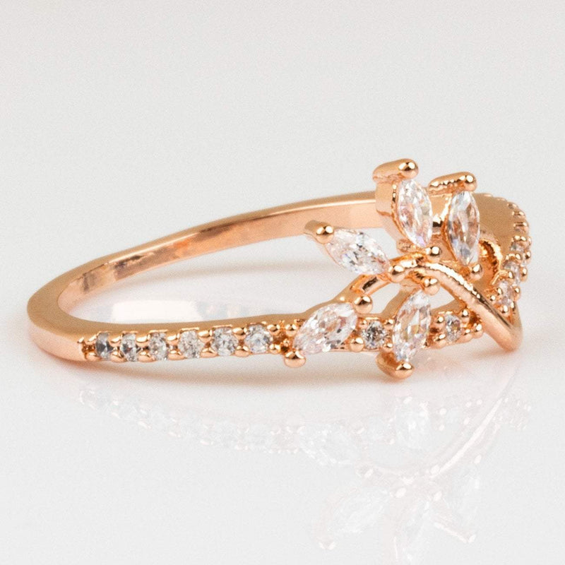 A romantic twist.? Featuring a gorgeous CZ leaf woven through a CZ encrusted band, the Strobe Ring from Girls Crew is the epitome of pretty.