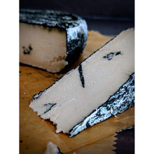 Load image into Gallery viewer, Blue Roqueforti Verdure-Mead Cheese
