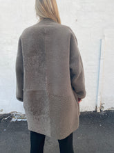 Load image into Gallery viewer, Handmade Shearling Fur