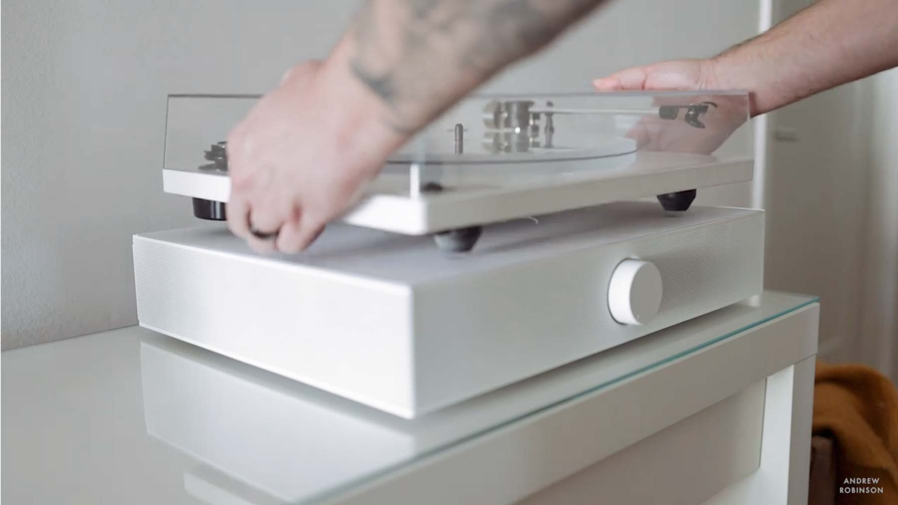 "Spinbase in ""Easy to use Music System for your Turntable"""