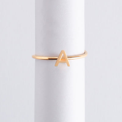 Letter Ring A oro