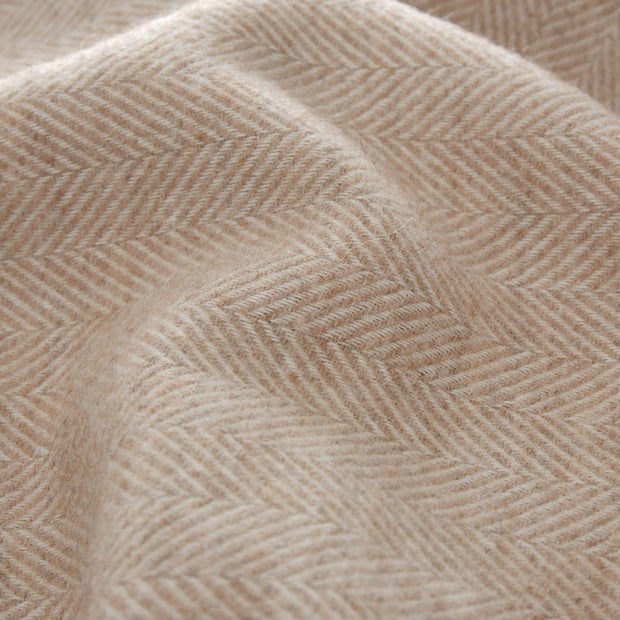 Corcovado Alpaca Blanket light brown & off-white, 50% alpaca wool & 50% merino wool | URBANARA alpaca blankets