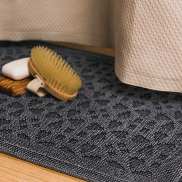 Qasita bath mat, charcoal, 100% cotton | URBANARA bath mats