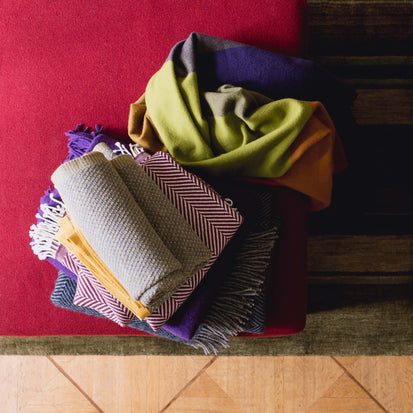 Dark purple & Orange Caracas Decke | Home & Living inspiration | URBANARA