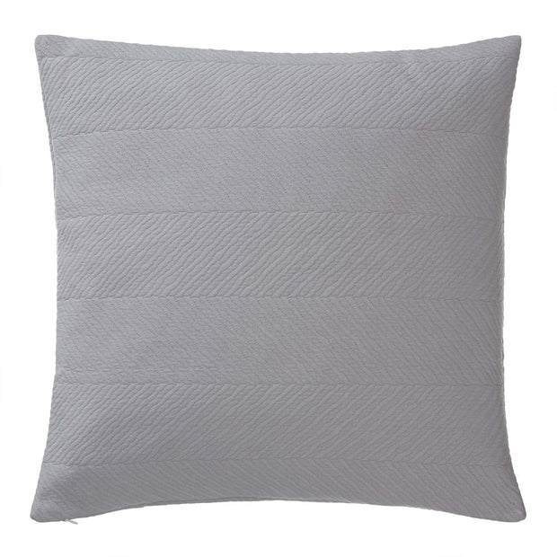 Cieza quilt in grey, 100% cotton |Find the perfect bedspreads & quilts