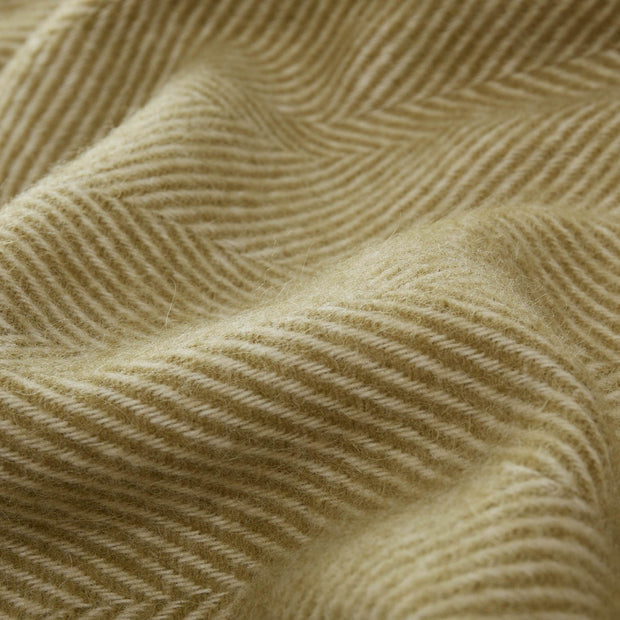 Salantai blanket in moss green & cream, 100% new wool |Find the perfect wool blankets