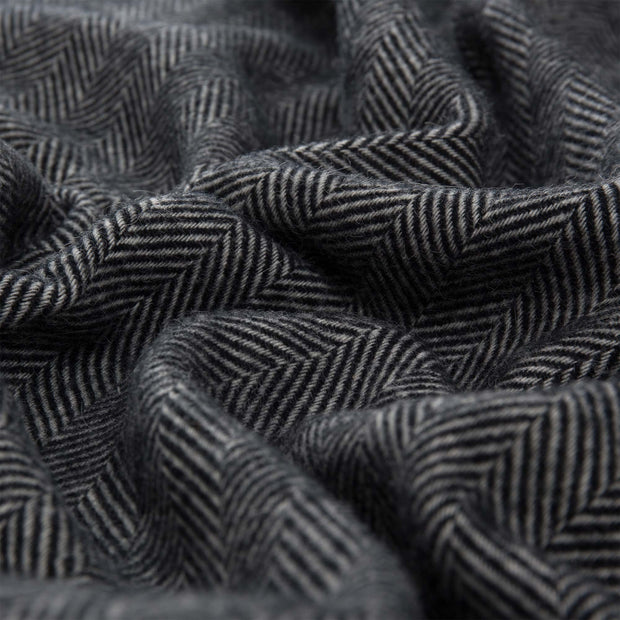 Corcovado Alpaca Blanket black & off-white, 50% alpaca wool & 50% merino wool | High quality homewares