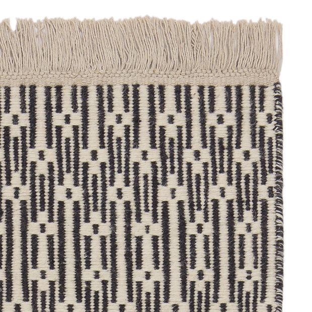 Lumaco rug, charcoal & off-white, 100% wool