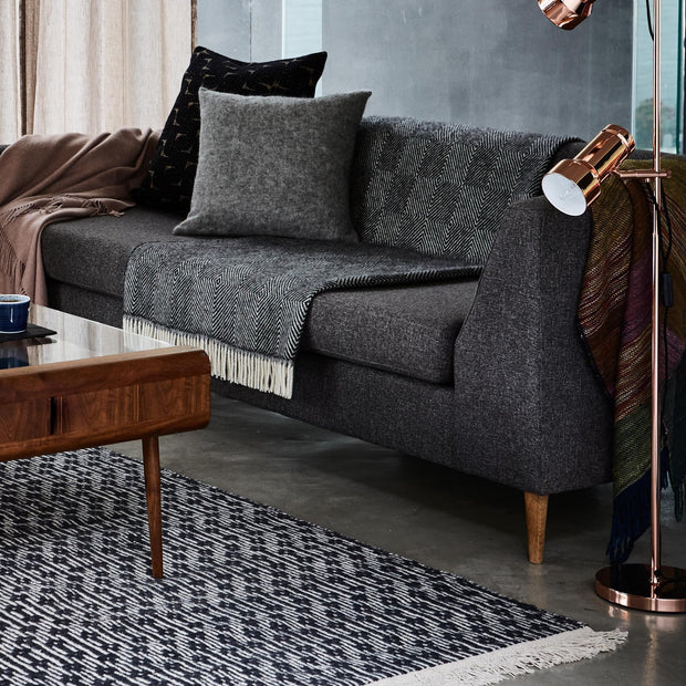 Charcoal & Off-white Lumaco Teppich | Home & Living inspiration | URBANARA