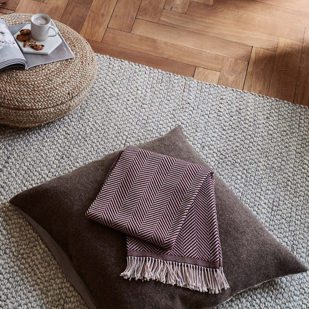 Salla blanket in bordeaux red & dusty pink, 100% new wool |Find the perfect wool blankets