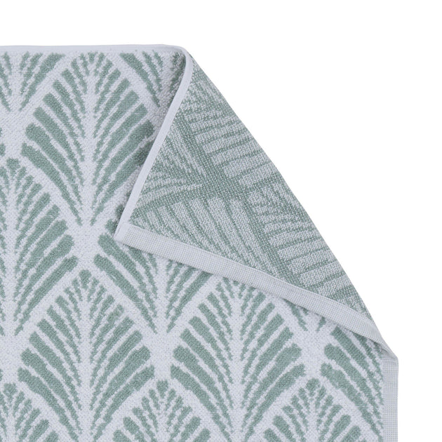 Light grey green & White Coimbra Badematte | Home & Living inspiration | URBANARA