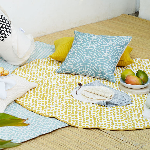 Mustard & Natural white & Black Luo Picknickdecke | Home & Living inspiration | URBANARA