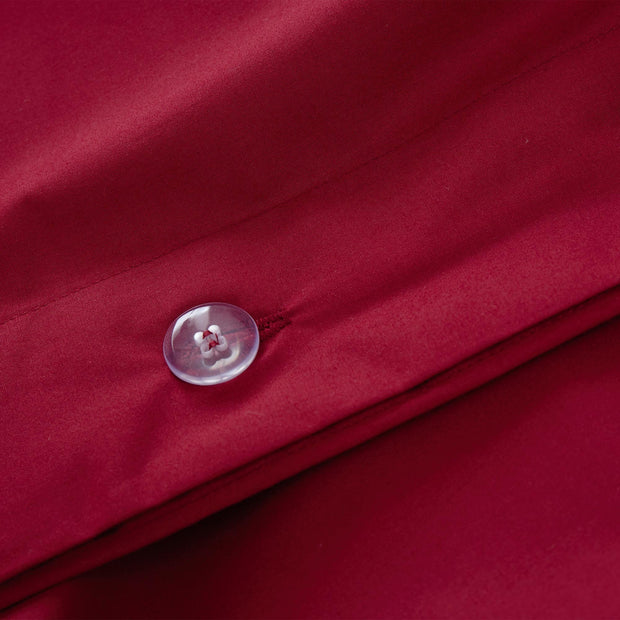 Perpignan pillowcase in ruby red, 100% combed cotton |Find the perfect percale bedding