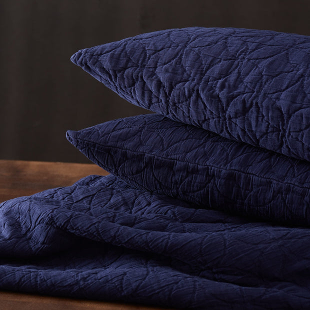Carvado bedspread, dark blue, 100% cotton |High quality homewares