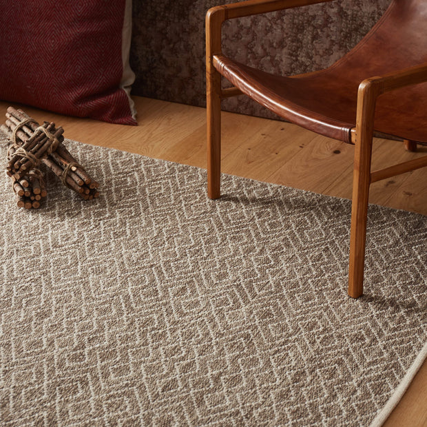 Amini Wool Rug in natural & off-white | Home & Living inspiration | URBANARA