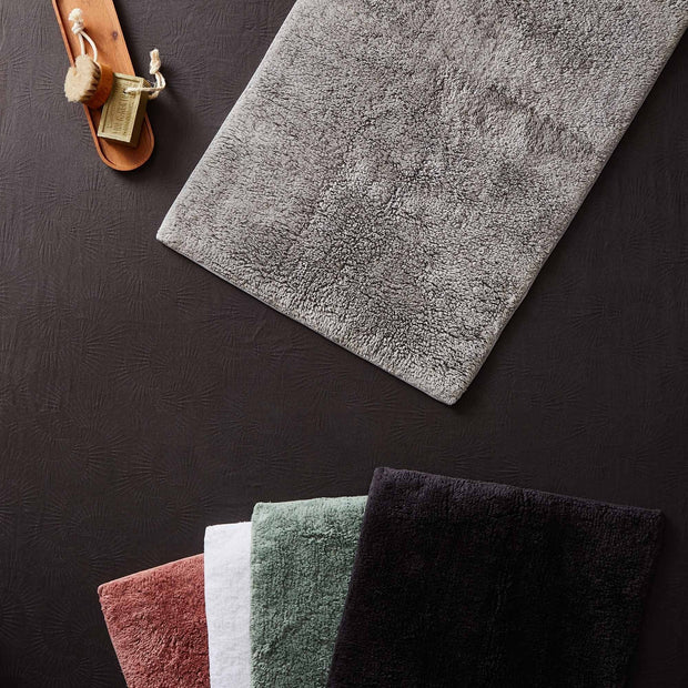 Banas bath mat in charcoal, 100% cotton |Find the perfect bath mats