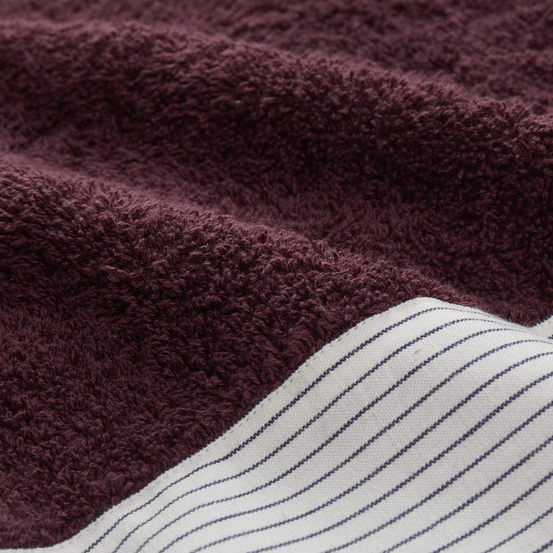 Luni beach towel in aubergine, 100% cotton |Find the perfect beach towels