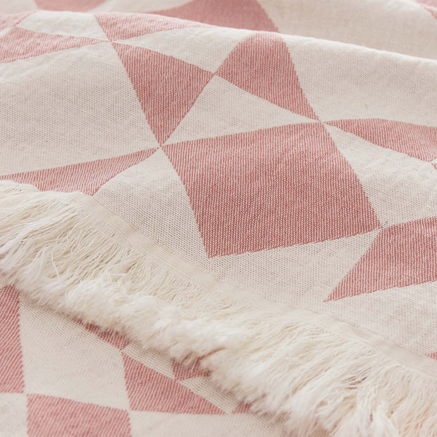 Amparo blanket in dusty pink & natural white, 100% cotton |Find the perfect cotton blankets