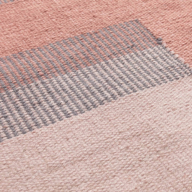 Indari runner, grey & light pink & dusty pink, 100% pet | URBANARA outdoor accessories
