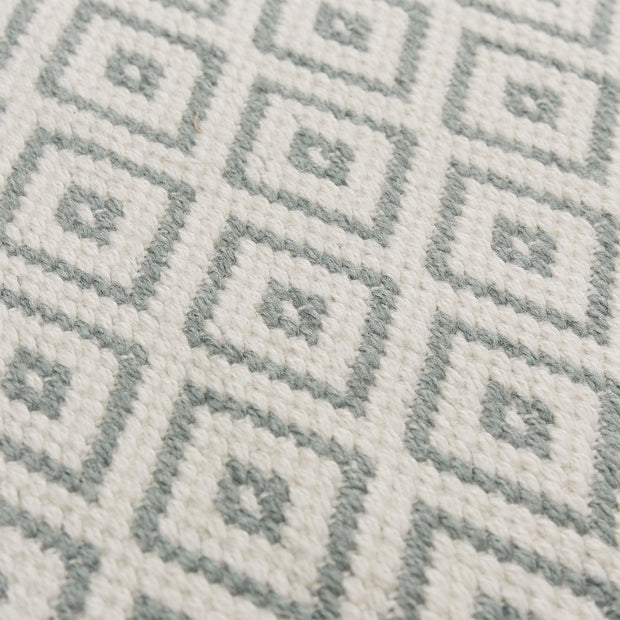 Barota rug in green grey & white, 100% pet |Find the perfect outdoor accessories