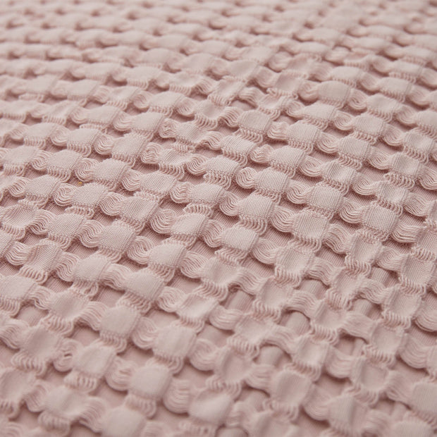 Veiros cushion cover in powder pink, 100% cotton |Find the perfect cushion covers