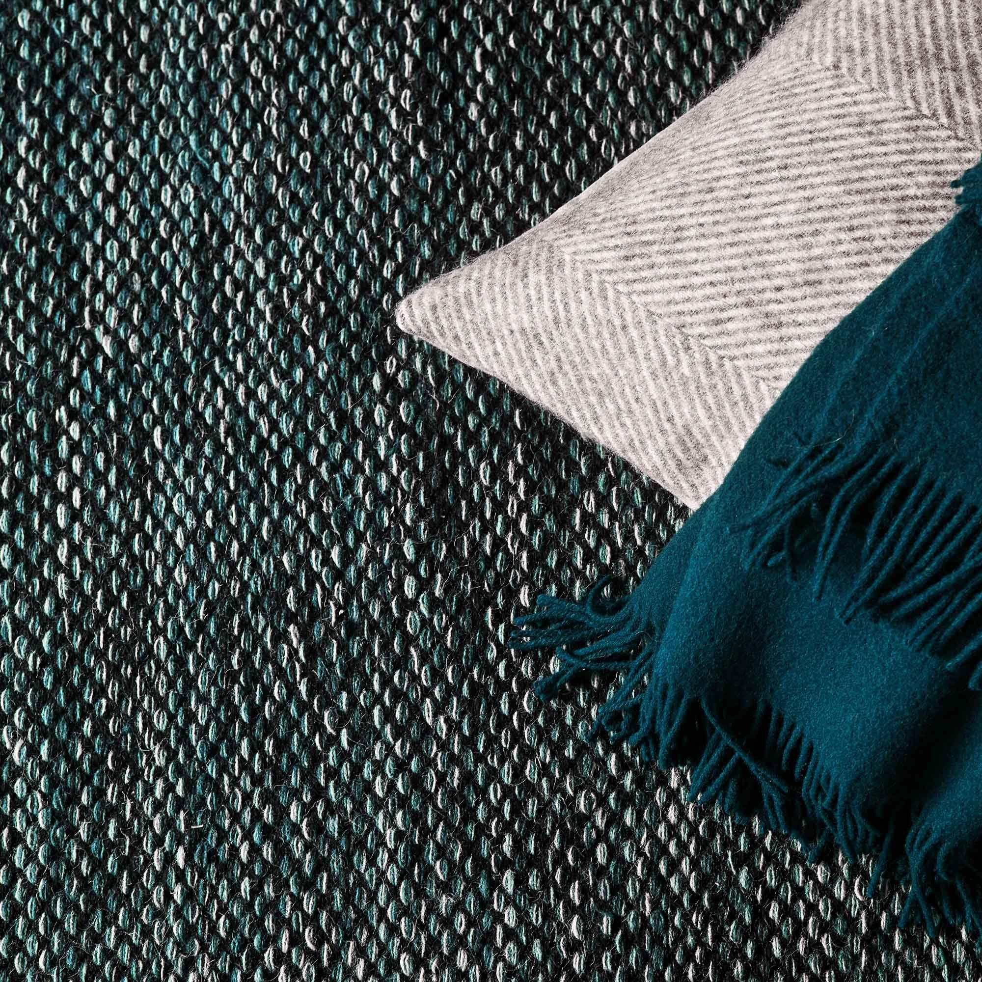 Grey green & Black Odis Läufer | Home & Living inspiration | URBANARA
