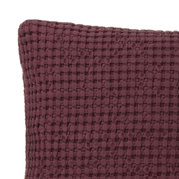 Veiros Sao cushion cover, bordeaux red, 100% cotton | URBANARA cushion covers