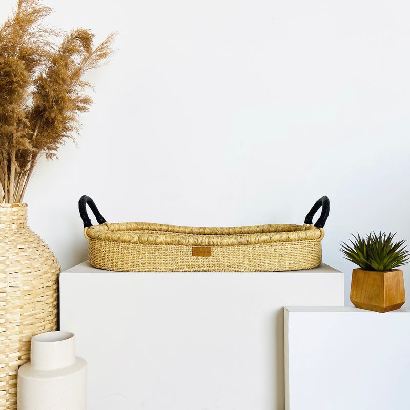 Wheatgrass<br>Changing Basket<br>Black Handle