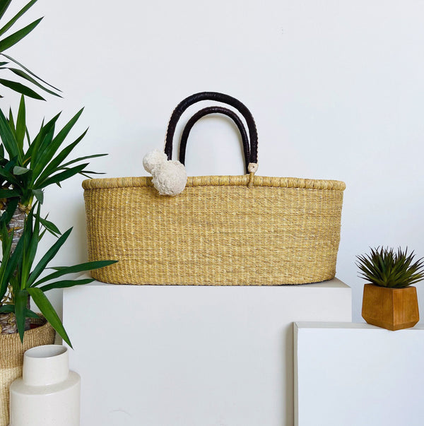 ** pre-order **<br> ships on or before feb 15<br>Wheatgrass<br>No Hood<br>African Moses Basket<br>Brown + Cream Handle