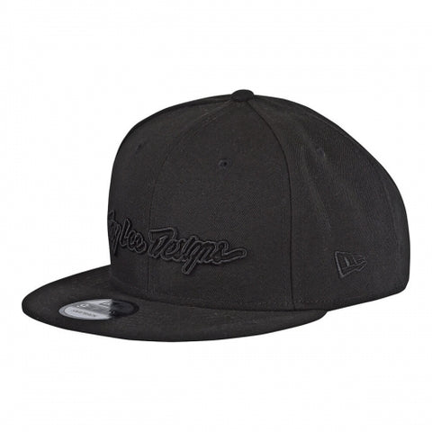 CLASSIC SIGNATURE NEW ERA HAT BLACK
