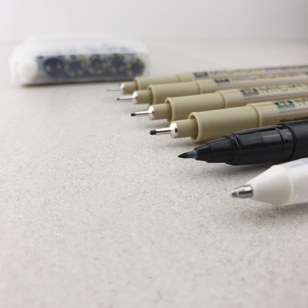 Pigma & Gelly Roll White - MANGA Basic 6 Pens Set - Paper Kooka
