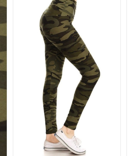 Green Camo (5 in Yoga Waist Band)
