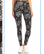 Load image into Gallery viewer, Elephant Mandela  (5 in Yoga Waist Band)